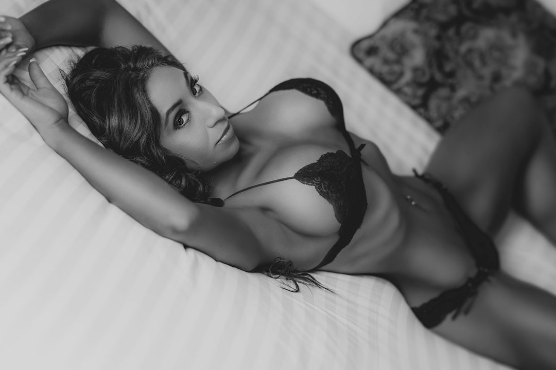 black-and-white-latina-boudoir-photo-in-lingerie